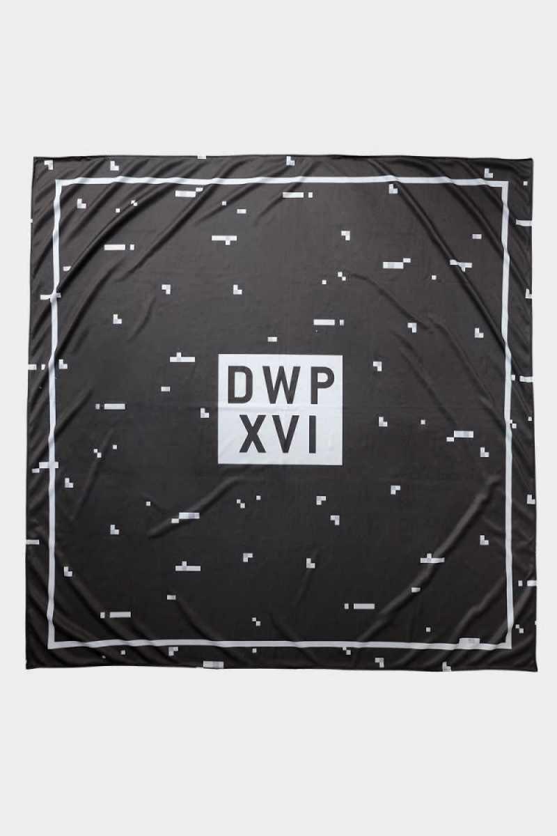 dwp-xvi-scarf